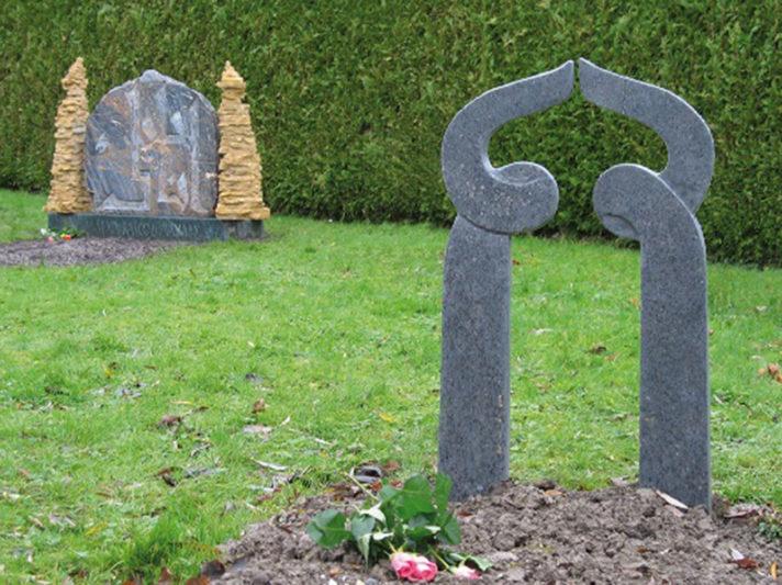 gedenkteken voor graf kleine asielzoeker Marianne van den Heuvel