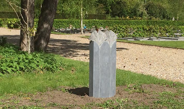 grafkunst beeldhouwer Marianne van den Heuvel